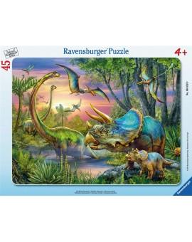 C.T. 45pcs Paisibles dinosaures